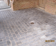 BRUSHED GRANITE SETTS