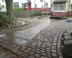 RECLAIMED YORKSTONE FLAGS WITH OLD RECLAIMED NATURAL COBBLE SETTS (12)