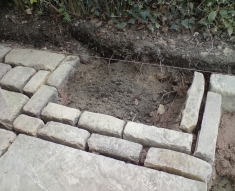 RECLAIMED YORKSTONE FLAGS WITH OLD RECLAIMED NATURAL COBBLE SETTS (11)