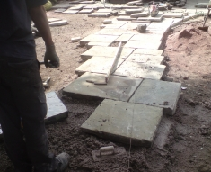 RECLAIMED YORKSTONE FLAGS WITH OLD RECLAIMED NATURAL COBBLE SETTS (5)