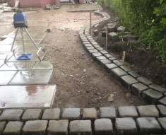 RECLAIMED YORKSTONE FLAGS WITH OLD RECLAIMED NATURAL COBBLE SETTS (6)