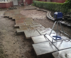 RECLAIMED YORKSTONE FLAGS WITH OLD RECLAIMED NATURAL COBBLE SETTS (7)